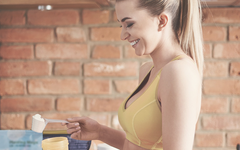 ¿Deben las mujeres consumir más proteínas?