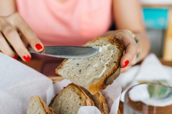 Pan casero: esponjoso, con patatas, mayonesa + trucos y consejos útiles para principiantes.